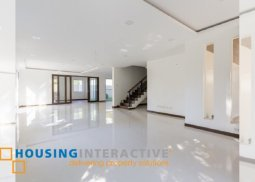 Unfurnished 5-Bedroom House for Sale in Hillsborough