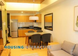 A newly renovated unit, fully furnished with balcony in BGC, Taguig