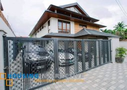 Luxury 3-Story House for Sale in West Greenhills