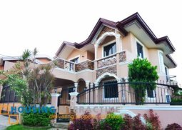 Bare 5-Bedroom House for Sale in BF Resort