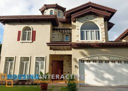 Bare 3-Story, 4-Bedroom House for Sale in Portofino South