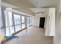 BARE 3-BEDROOM PENTHOUSE UNIT FOR SALE IN BAYSHORE 1