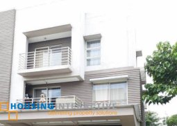 FULLY FURNISHED 3-BEDROOM HOUSE FOR SALE IN AMETTA PLACE