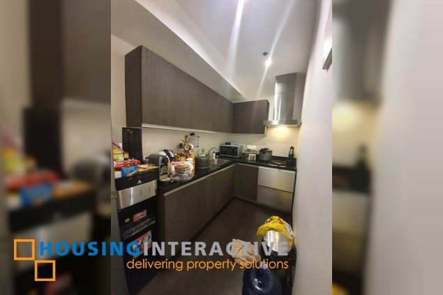 FULLY FURNISHED 1-BEDROOM UNIT FOR SALE IN THE GRAMERCY