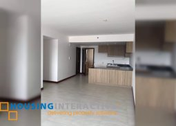 UNFURNISHED 2BR UNIT FOR SALE IN ROYALTON IN CAPITOL COMMONS PASIG