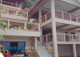 SEMI-FURNISHED 3-STOREY, 8-BEDROOM BEACH HOUSE WITH BALCONIES FOR SALE IN BATANGAS