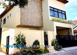 FULLY FURNISHED 2-STOREY, 5-BEDROOM HOUSE FOR SALE IN NSHA VILLAGE