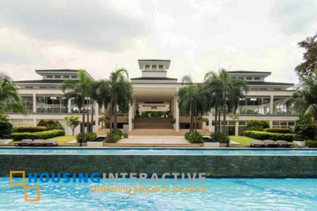 TIMELESS 1-BEDROOM UNIT WITH BALCONY FOR SALE IN GRASS RESIDENCES