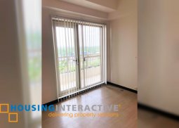 SEMI-FURNISHED 1-BEDROOM UNIT WITH BALCONY FOR SALE/RENT IN FAIRWAY TERRACES