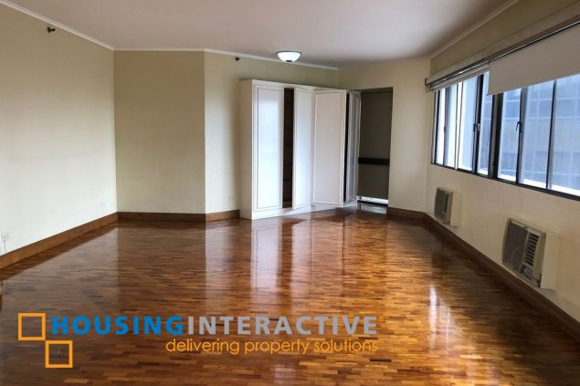 BARE 3-BEDROOM UNIT WITH BALCONY FOR SALE IN RITZ TOWER