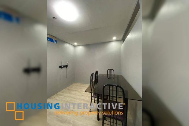 FULLY FURNISHED JUNIOR 1-BEDROOM UNIT FOR SALE IN PEARL OF THE ORIENT
