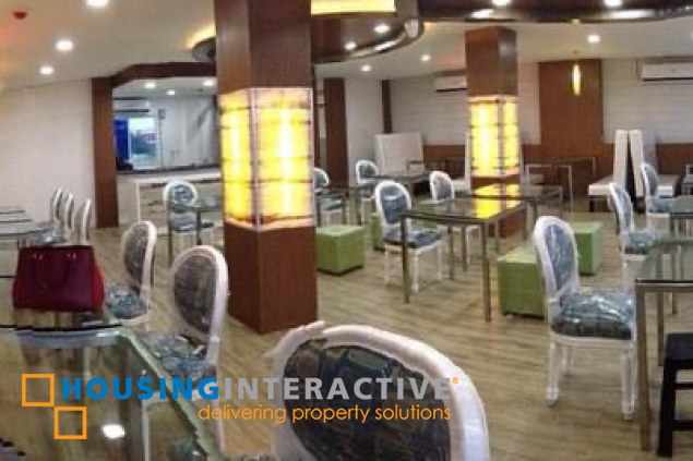 MODERN COMMERCIAL BUILDING FOR SALE IN VILLA CACERES