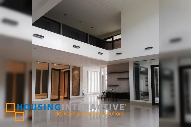 4BR HOUSE FOR LEASE IN GREENMEADOWS QUEZON CITY