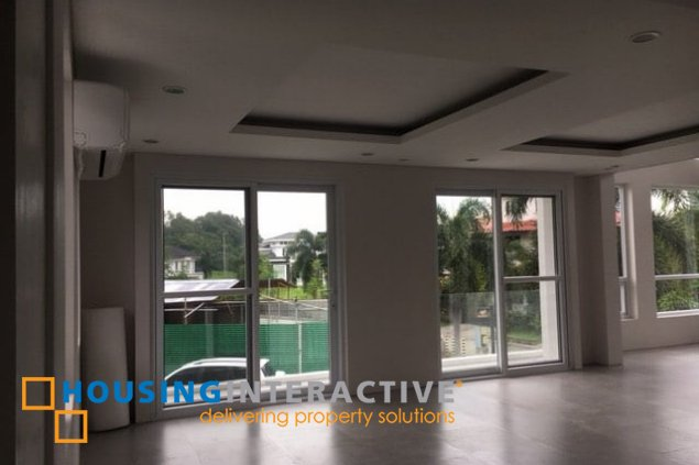 4BR HOUSE FOR LEASE IN PALM POINTE ALABANG
