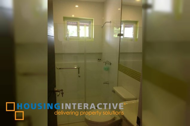 4BR HOUSE AND LOT FOR LEASE IN AYALA ALABANG