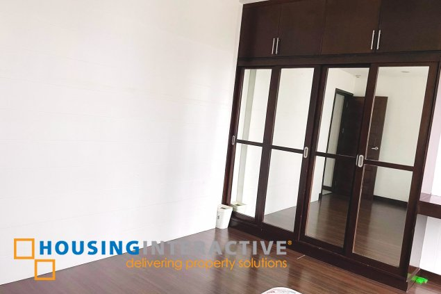 Penthouse for rent in Kensington Place, BGC
