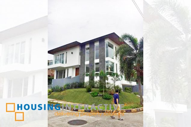 HOUSE FOR LEASE IN PALM POINTE