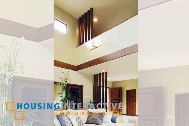 SEMI FURNISHED HOUSE & LOT FOR RENT/SALE AT PARANAQUE