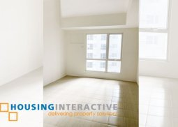 STUDIO TYPE CONDO UNIT FOR RENT AT PIONEER WOODLANDS MANDALUYONG